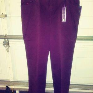 Gloria Vanderbilt Jeans - Think Christmas NWT Gloria Vanderbilt 16w jeans